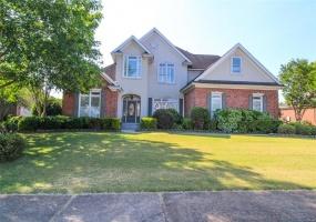 432 WILTSHIRE Drive, Montgomery, Alabama, 5 Bedrooms Bedrooms, ,3 BathroomsBathrooms,Residential,For Sale,WILTSHIRE,444990