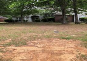 131 LIVE OAKS Drive, Millbrook, Alabama, 4 Bedrooms Bedrooms, ,2 BathroomsBathrooms,Rental,For Sale,LIVE OAKS,471014