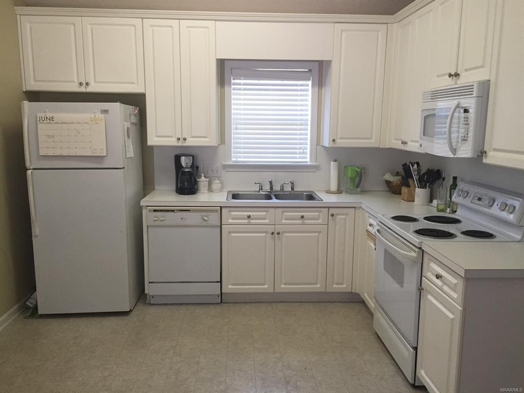 8990 Stoneridge Place, Montgomery, Alabama, 3 Bedrooms Bedrooms, ,2 BathroomsBathrooms,Rental,For Sale,Stoneridge,474355