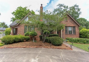 2095 Hull Street, Montgomery, Alabama, 3 Bedrooms Bedrooms, ,2 BathroomsBathrooms,Residential,For Sale,Hull,474707