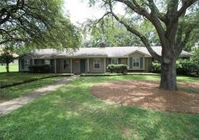 2409 Belcher Drive, Montgomery, Alabama, 4 Bedrooms Bedrooms, ,3 BathroomsBathrooms,Residential,For Sale,Belcher,476146